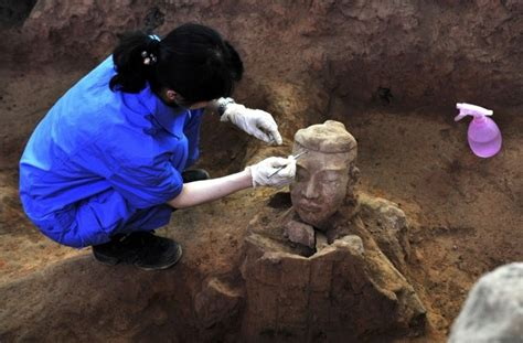 More than 100 New Terracotta Warriors of Qin Dynasty