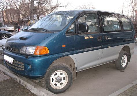 1998 Mitsubishi Space GEAR specs, Engine size 2