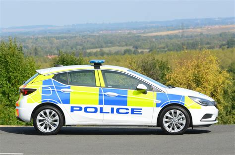 """All-New Vauxhall """"Arresting"""" Astra K Enters Police Service"""